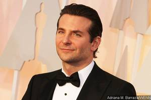 Bradley Cooper to Make Directorial Debut With 'A Star Is Born'